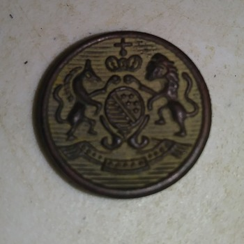 Help identifying button - Military and Wartime