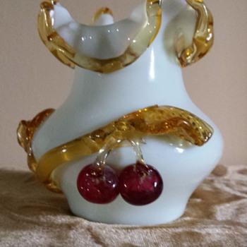 Stevens & Williams applied fruit vase - Art Glass