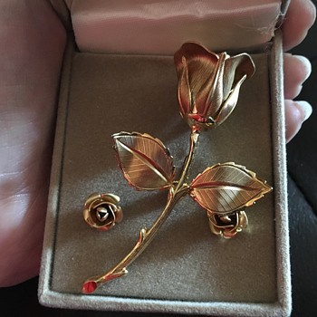 Gold Rose Brooch & Earring Set  - Costume Jewelry