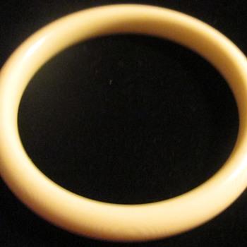Whorl-y bracelet - Costume Jewelry