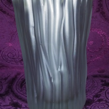Signed Tapuo Wirkkala Vase from Finland - Art Glass