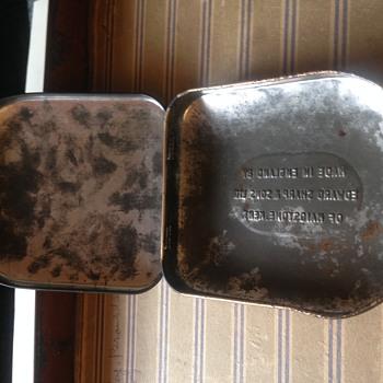 alice and wonderland tin (rare) - Advertising