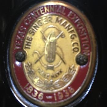 """""""Texas Centennial Exposition 1836-1936"""" Singer Featherweight - Sewing"""