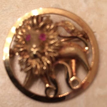 Gold Lion Brooch with Ruby Eyes - Fine Jewelry