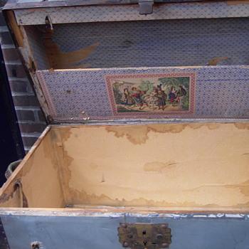 antique zinc trunk 100 - Furniture