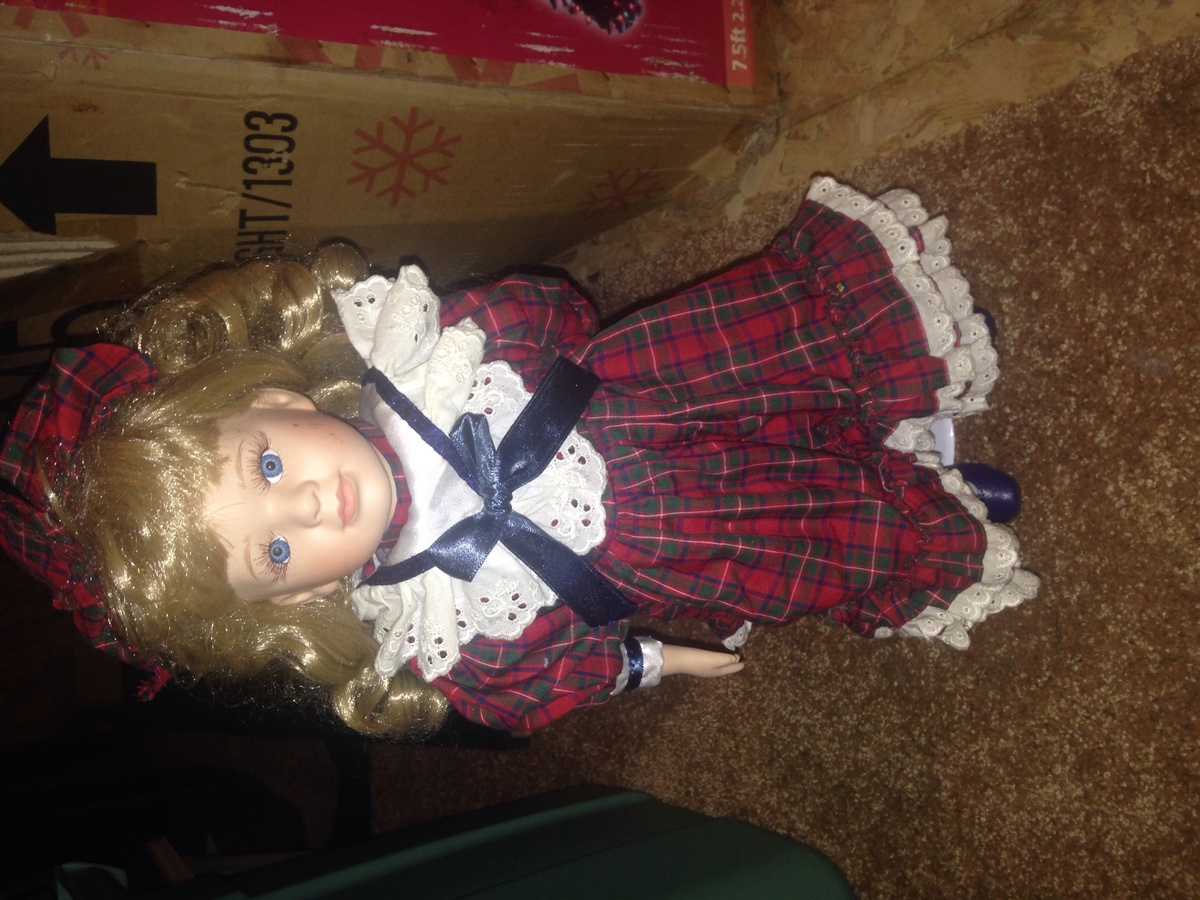 Heritage mint collection and Seymour Mann porcelain dolls