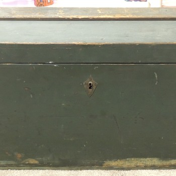 Early Sea Chest - Part I - Furniture