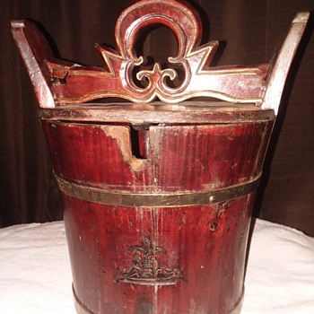 Antique water bucket with locking lid  - Asian