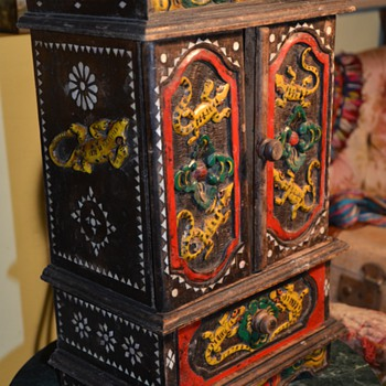 Spice cabinet or Chest of drawers or Jewelry Box? - Indonesian? Tibetan? - Folk Art