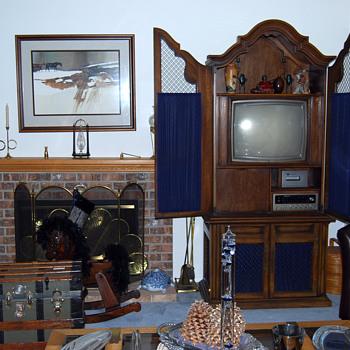 1970s Magnavox TV Player -- It Almost Got Me - Electronics