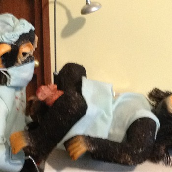 A Day at the Drs Office!!Monkey Giving Birth and Monkey Getting a shot . - Toys