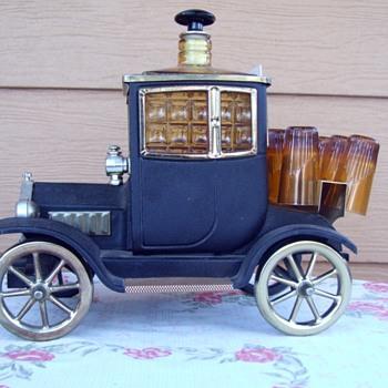 Musical Ford 1915 bar set - Bottles
