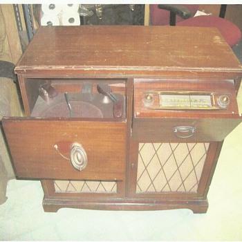 Antique Console Radios | Collectors Weekly