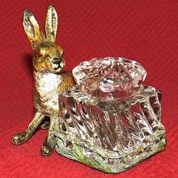 Antique Cold Painted Hare Inkwell - Animals