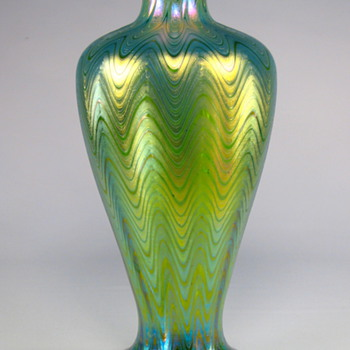 Loetz Phenomen Genre 6893 circa 1899 - Art Glass