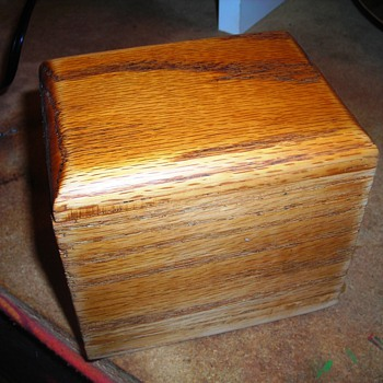 Perfect small box with fitted lid - Tobacciana