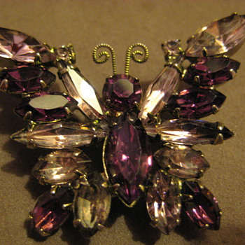 Juliana DeLizza & Elster Butterfly Brooch Purple Lilac Stones - Costume Jewelry