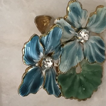 Enamel Clip on earrings - Costume Jewelry