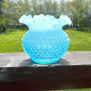 Fenton  Opalescent Hobnail Art Glass Vase
