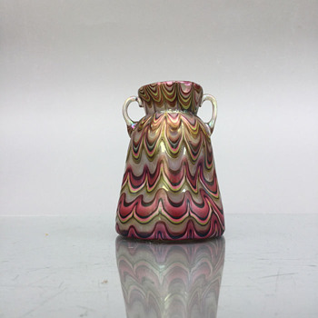 Opal banded vase to compare with Warren's - Art Glass