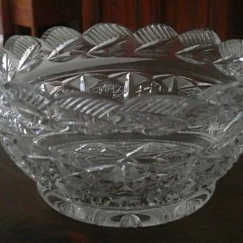 Heavy cut crystal salad bowl - Glassware