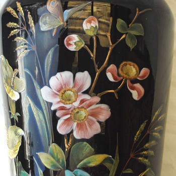 MORE PIX BIG BLACK  BEAUTY VASE HARRACH  - Art Glass