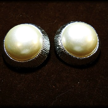 Sarah Coventry Earrings - Silvertone and Faux pearl - Costume Jewelry