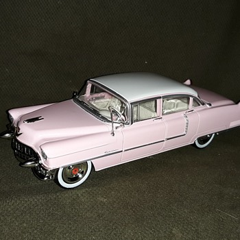 Greenlight Hollywood Elvis 1955 Cadillac Fleetwood Series 60 1/24 Scale - Model Cars