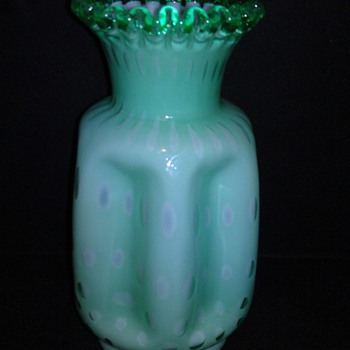 MINT GREEN BUBBLE GLASS?? - Art Glass