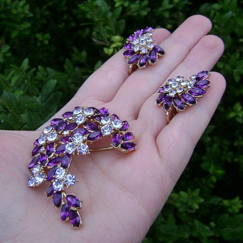 Trifari Brooch Set - Contessa Collection - Costume Jewelry