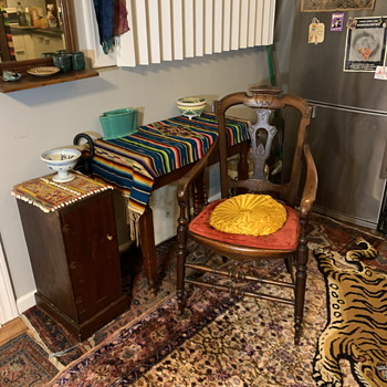Dining area / entryway - Furniture