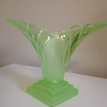 Walther & Sohne 'Greta' Vase - Glassware