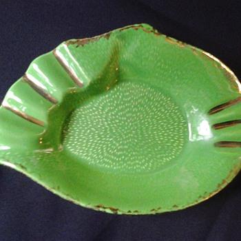 California Pottery ashtray - Tobacciana