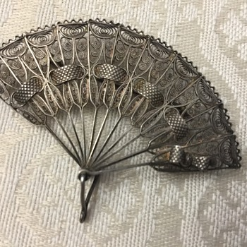 Silver Fan brooch - Fine Jewelry