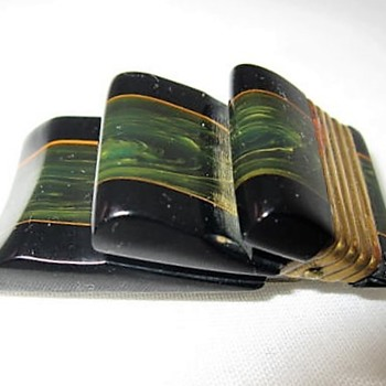 Laminated bakelite ribbon clip circa 1930's - Costume Jewelry