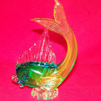 It's Fishin Season ! Icet Arte Murano Uranium Glass Fish - Art Glass