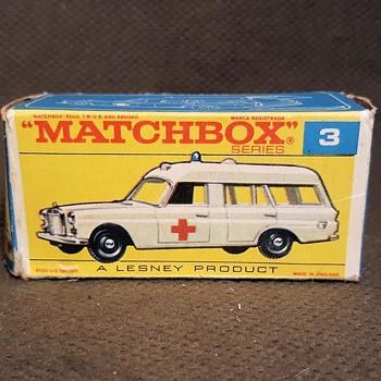 Modern Medical Miracle Matchbox Monday MB 3 Mercedes Ambulance in F Box 1969 - Model Cars