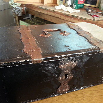 Old Chest. - Furniture