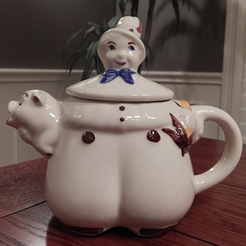 Shawnee Pottery teapot - Kitchen