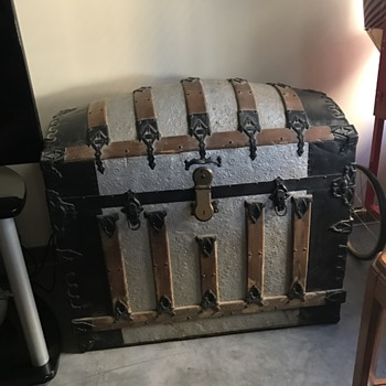 Vintage 1880 Barrel Trunk - Furniture