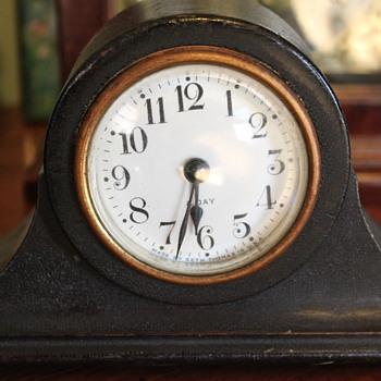 Seth Thomas 8 Day Clock - Clocks