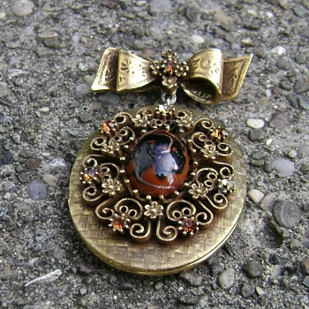 Corocraft Locket - Costume Jewelry