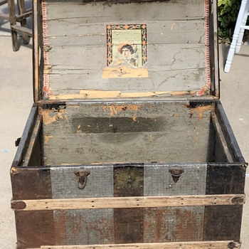 M.M. Secor Northwestern Trunk & Traveling Bag Manufactory trunk - Furniture