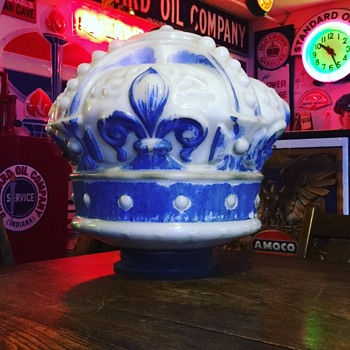 Standard Oil Crown Gas Globe - Petroliana