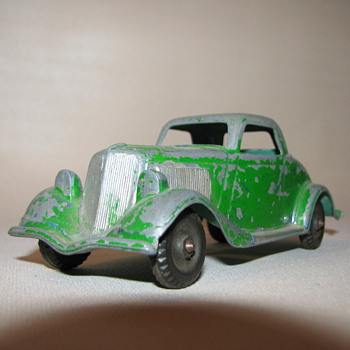 Hubley No. 404 1934 Ford Three window Coupe