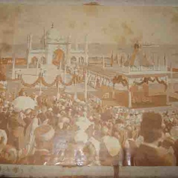 King George V and Queen Mary Royal Visit to Bombay Apollo Bunder Arrival Rare Public Side Angle Vintage Photo - Photographs