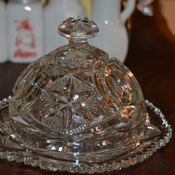 Butter dish and Sugar bowl