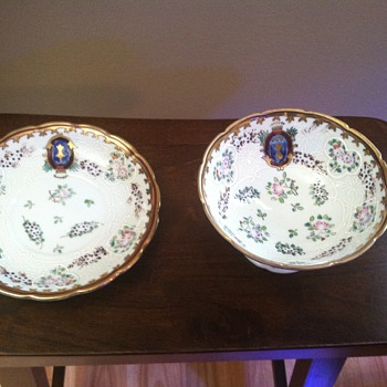 Gravy/Sauce Cup/Bowl with matching plate - China and Dinnerware