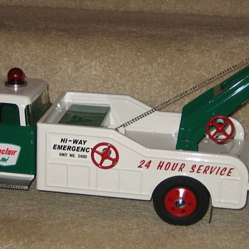 Custom NYLINT Ford F350 Sinclair Heavy-Duty Hi-Way Emergency Wrecker