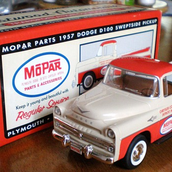 Diecast 1957 Dodge D100 Sweptside Pickup  - Model Cars